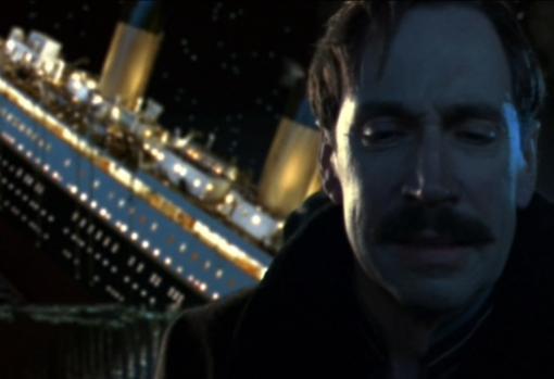 Escena de la película Titanic en la que se puede ver a Ismay
