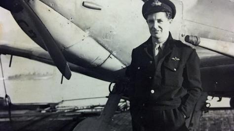 Resultado de imagen de Un bombardero hallado bajo el hielo desvela un misterio de la IIGM 74 años después