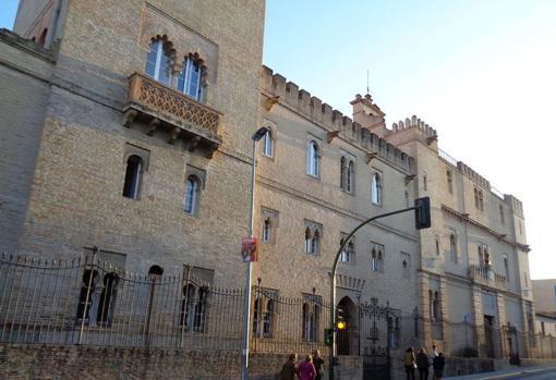 Casa-palacio donde falleció Hernán Cortés, que fue construida como si fuera una fortaleza. Se encuentra en el municipio de Castilleja de la Cuesta, Sevilla.