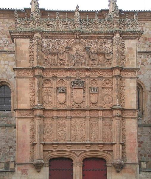 Fachada principal de las Escuelas Mayores de la Universidad de Salamanca