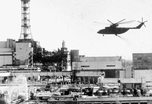 Labores de sellado del reactor nuclear