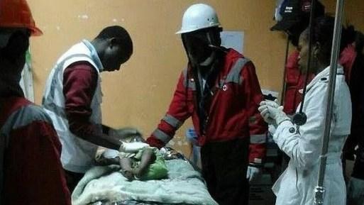 El increíble rescate de un bebé «milagro» tras 80 horas atrapado entre los escombros