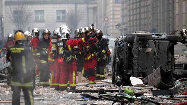Resultado de imagen para Deja al menos tres muertos y 47 heridos explosión en panadería de París
