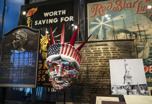 Objetos expuestos en el nuevo museo de la Estatua de la Libertad