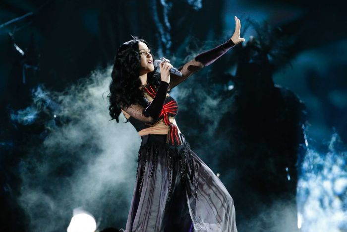 Katy Perry performs Dark Horse at the 56th annual Grammy Awards in Los Angeles, California January 26, 2014.