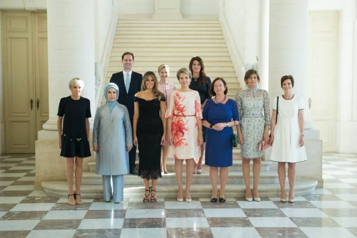 White House photo of first ladies and gentleman snubs gay husband in caption