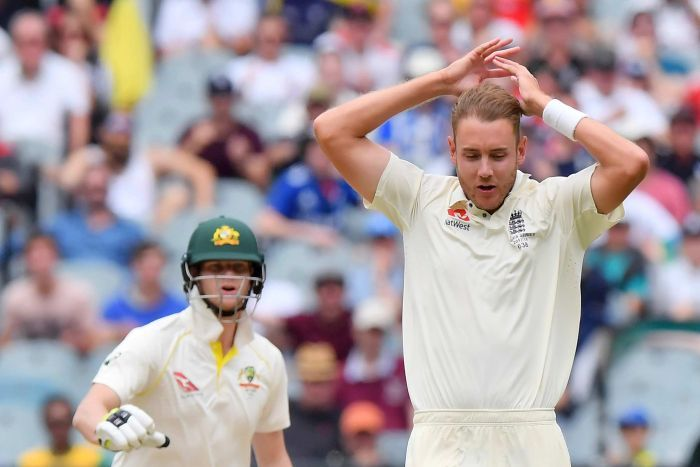 Stuart Broad looks on as Steve Smith urges against a run at the MCG.