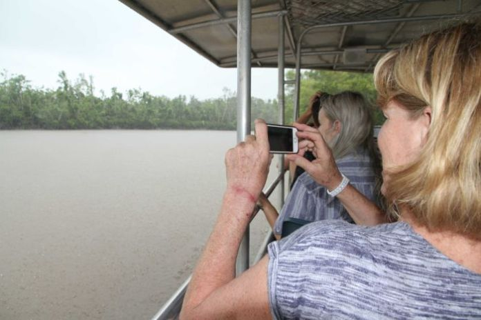 Tourists on the Proserpine River