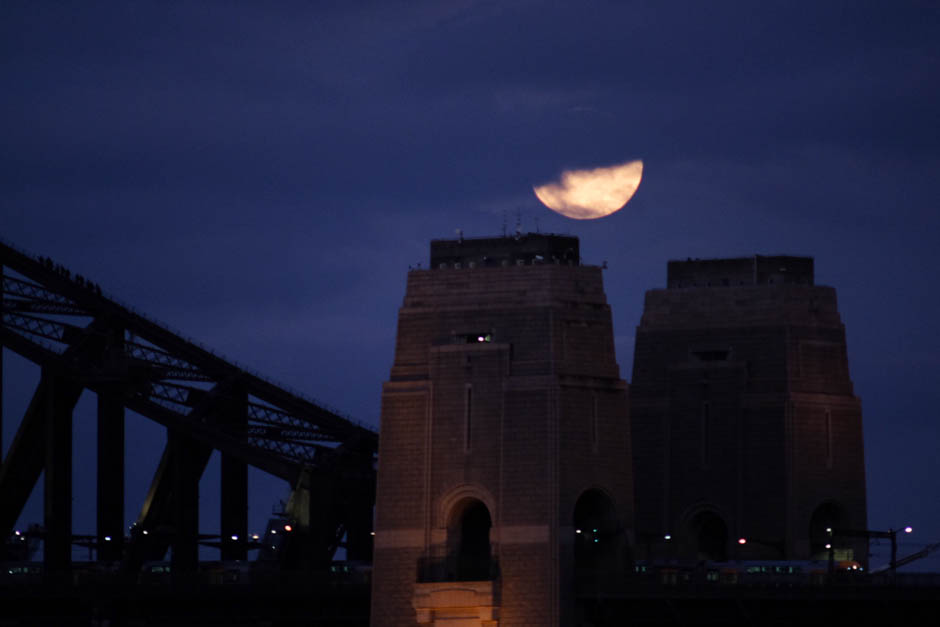 Sydney Harbour Bridge lunar eclipse