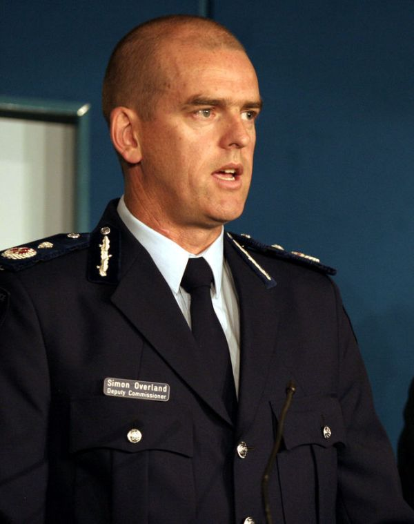 victoria police in racist email scandal newscomau - 664×840