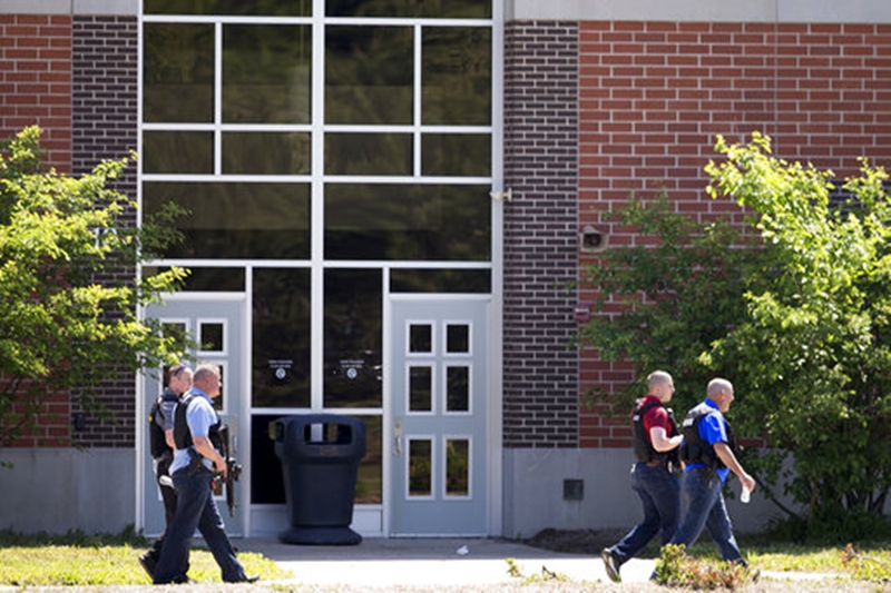 School Shooting Indiana_1527274731601