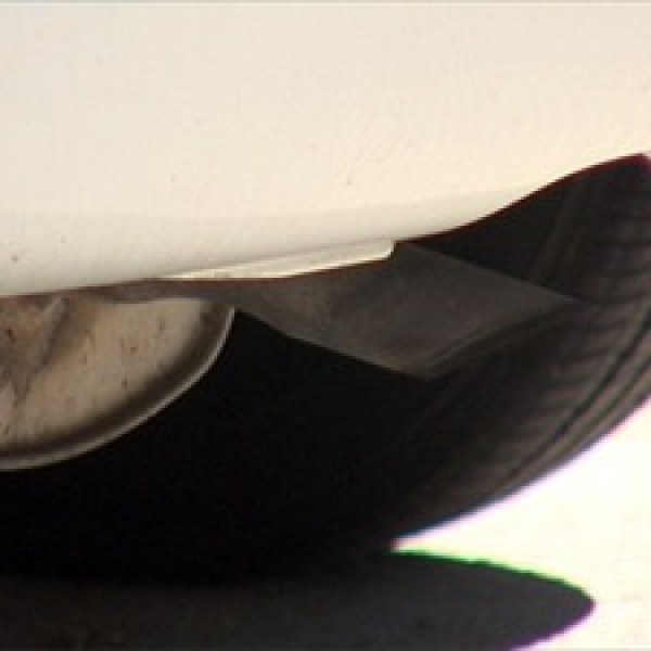 Exhaust pipe - pollution - idling_-4298214970704900534