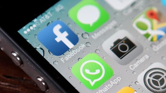 Facebook app on iphone_3156326209459471-159532