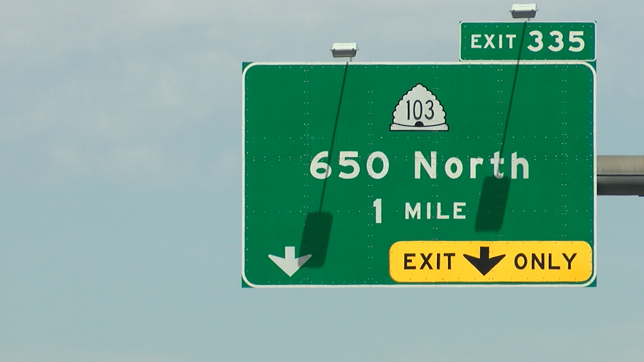 650 North I-15 exit sign