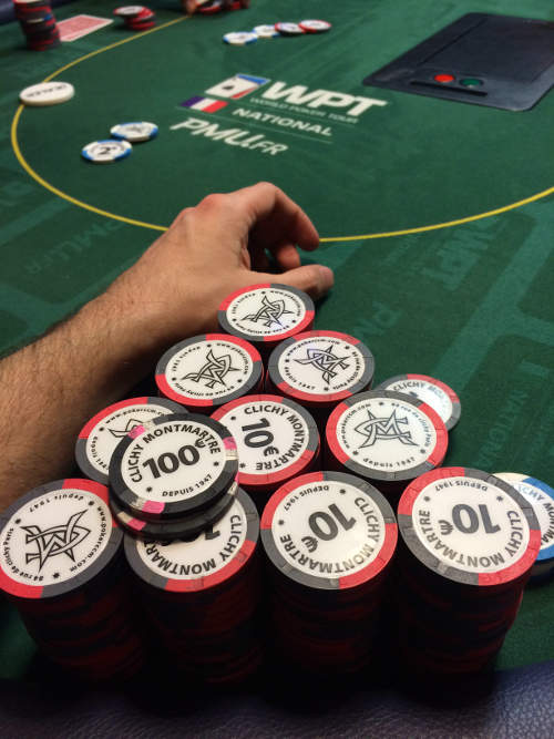 Poker: 2200 euros en jetons
