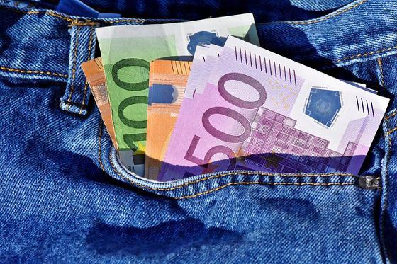 argent de poche en grosses coupures