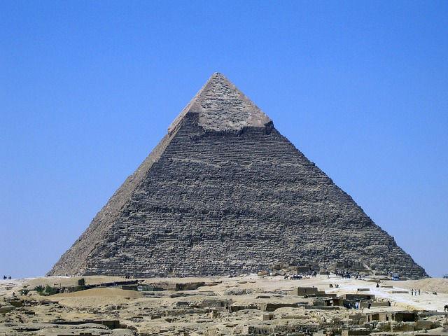 arnaques internet pyramide de Ponzi