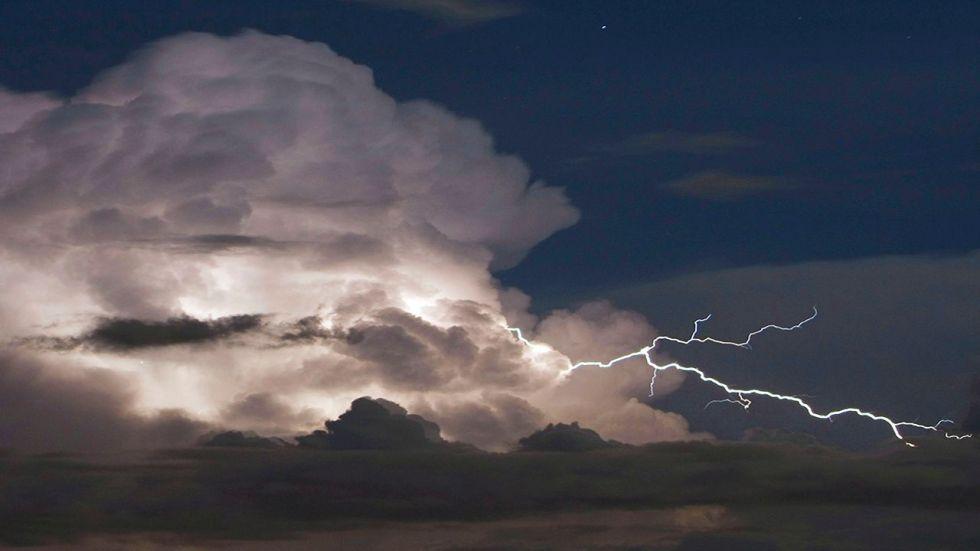 Does Heat Lightning Exist? - ABC Columbia