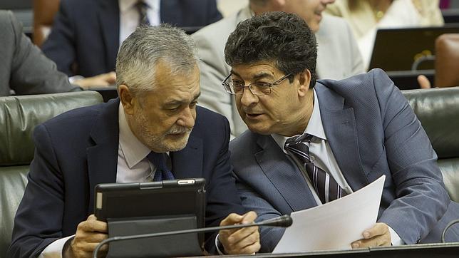 Los cargos «a dedo» cuestan a la Junta 15,4 millones de euros