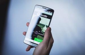 Spotify in Borsa con quotazione diretta e giro di vite sulle app modificate