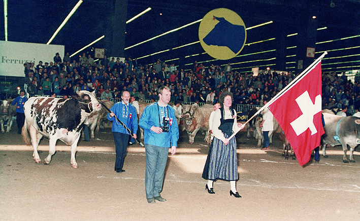 "1982:  Agriculture show in Paris (France) At this time Paris was the biggest agriculture show in the world with more than 1'000'000 visitors from more than 70 countries. Promotion of the ""new"" Red Holstein breed with the bull: Schrago Fire Nadir Red  EX-90, son of Browndale Fire Red, lead by Jean-Louis Schrago."