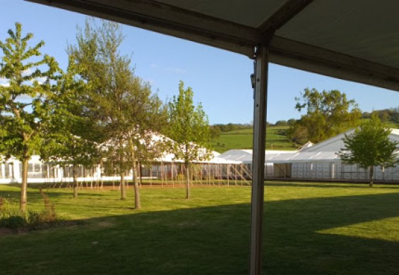 open-sided-marquee-at-hay-festival
