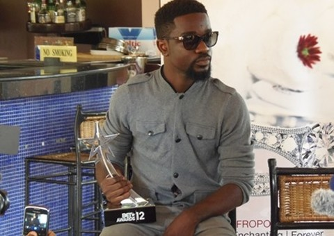 History made as Sarkodie wins BET's Best International Flow Award ...