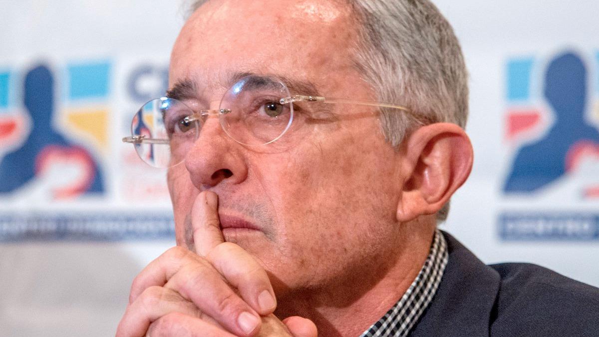 Álvaro Uribe dice estar triste por resultado negativo en encuestas;  reconoció el deterioro de su imagen – ABC Política