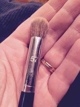Dirtymakeupbrush - Copy
