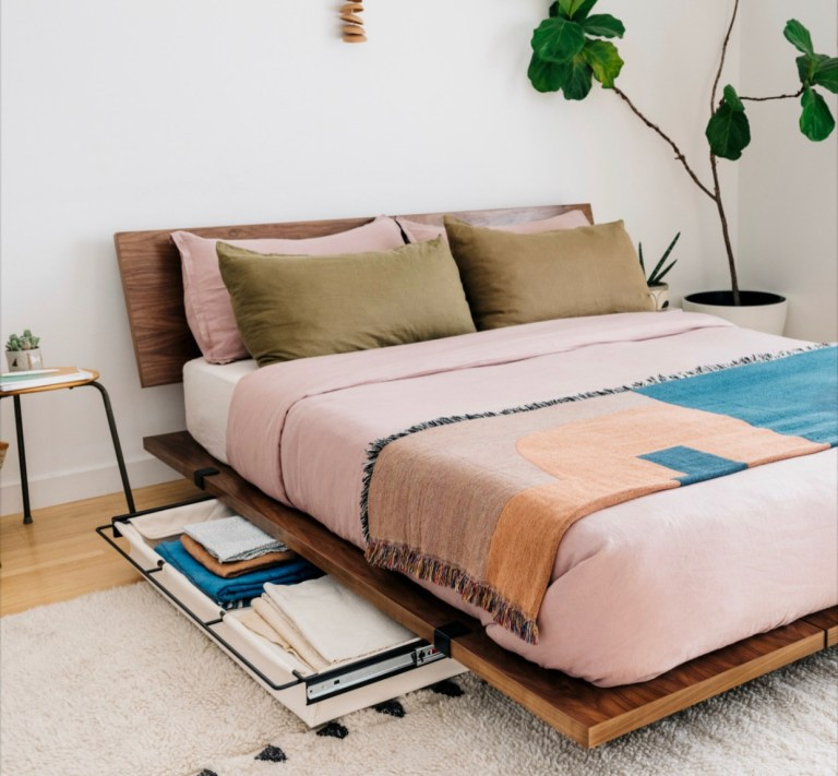 Low Profile Platform Bed Frames, Average Cost Of A Queen Size Bed Frame