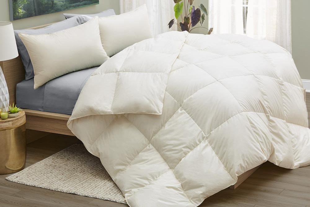 cotton-comforter-with-wool-on-bed