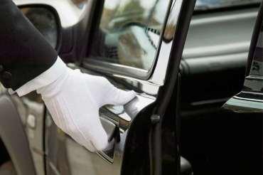 Ein Chauffeur für den Bezirks-Chef