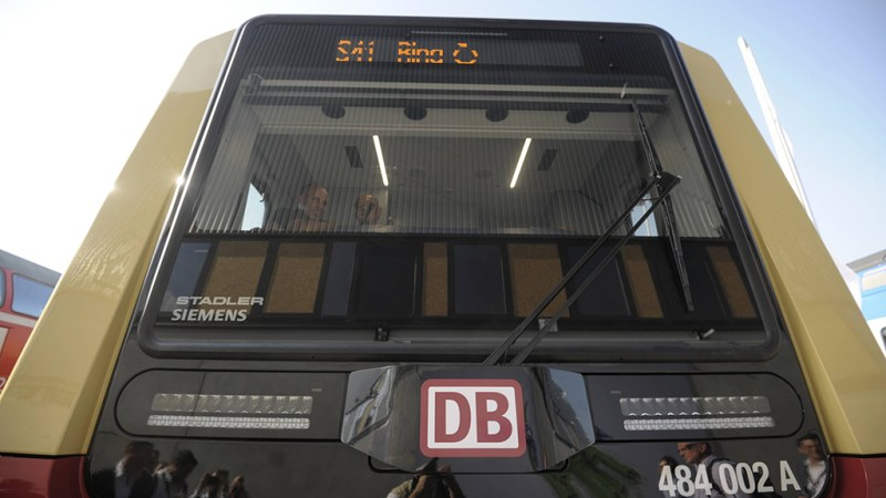S-Bahn mit neuem Signalton