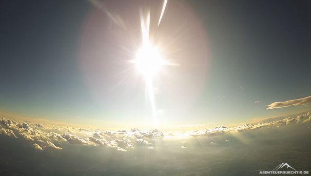 Perfektes Wetter für einen Tandem-Fallschirmsprung