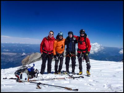 """Unser gemeinsames """"Gipfelfoto"""", nachdem wir uns 200 Höhenmeter darunter getroffen haben."""