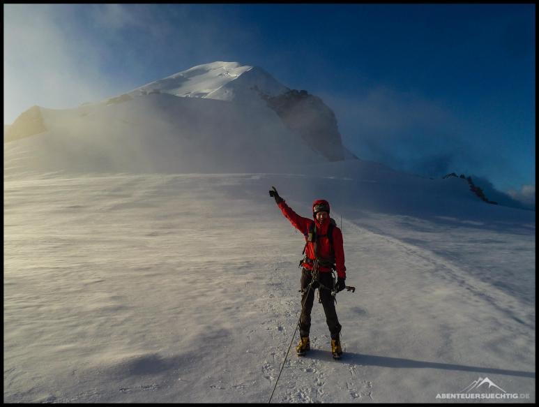 Noch rund 600 Höhenmeter fehlen uns bis hoch auf den Gipfel.