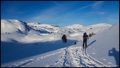 Bestes Wetter und eine herrliche Kulisse begleiten uns auf unserer Skitour