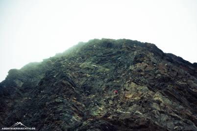 Der Gipfel der Hochwilde sieht brüchig und abweisend aus, ist aber prima zu erklimmen!