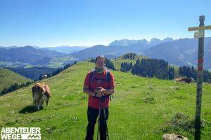 Max wandert mit der AbenteuerWege App um den wilden Kaiser