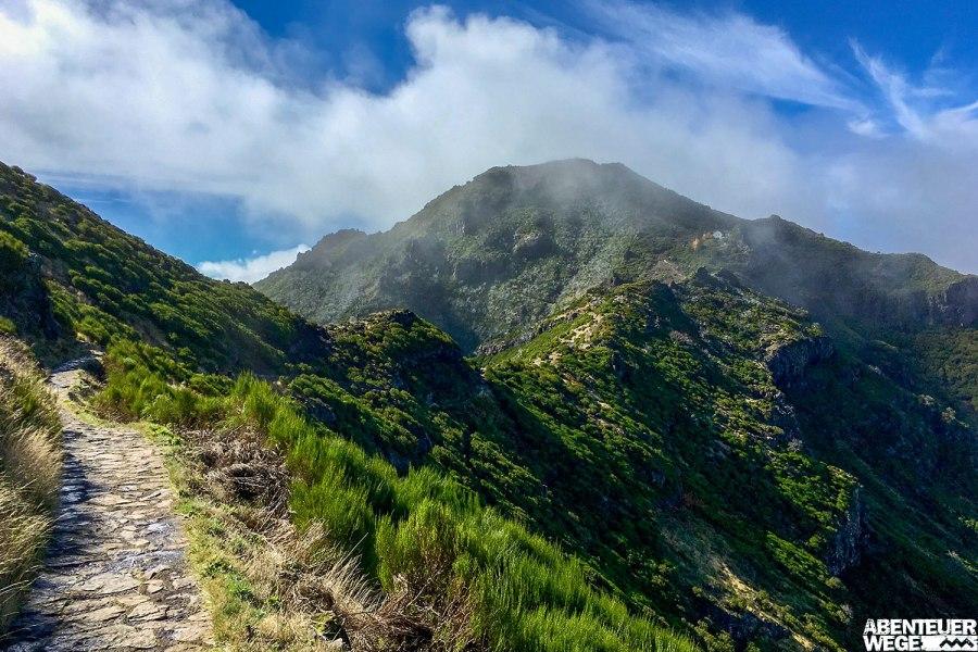Wanderung zum höchsten Berg auf Madeira - dem Pico Ruivo (1.862 m).