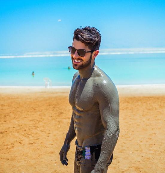 DJ Alok de Sunga de Praia. Fãs vão a Loucura