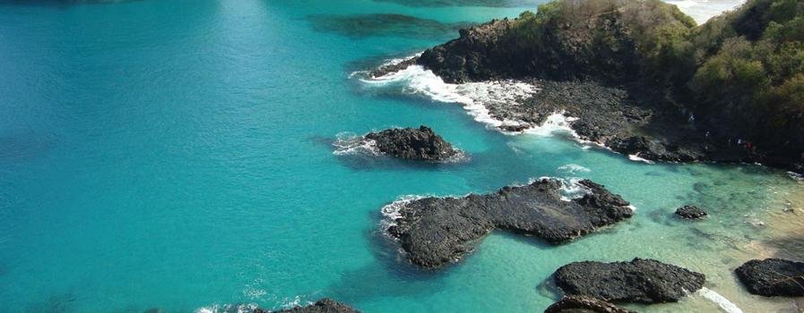As 10 Praias mais bonitas do Brasil. Baia dos Porcos - em Aberbeach moda praia e sungas de praia