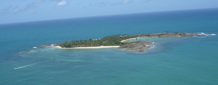 As 10 Praias mais bonitas do Brasil. Ilha de Santo Aleixo - em Aberbeach moda praia e sungas de praia