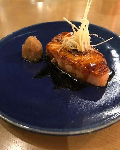 WA Restaurant de comida japonesa na Zona Norte. Sofisticação e conforto.