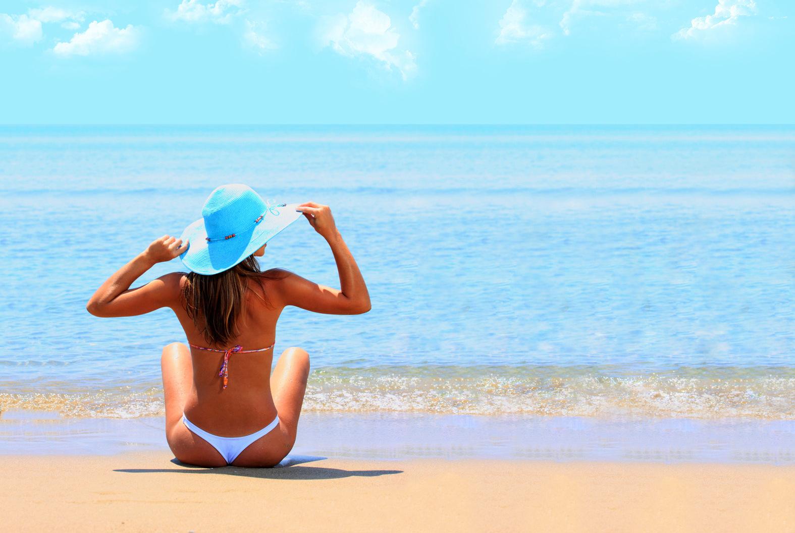 dicas para guardar seus pertences com segurança quando estiver sozinho na praia Aberbeach sungas de praia