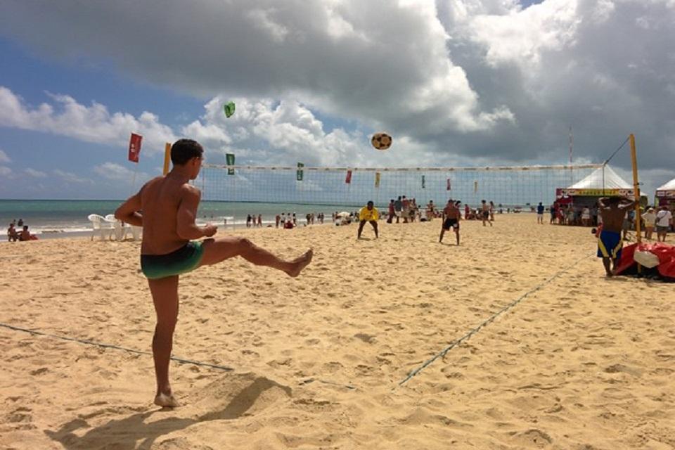 futvolei de sunga de praia