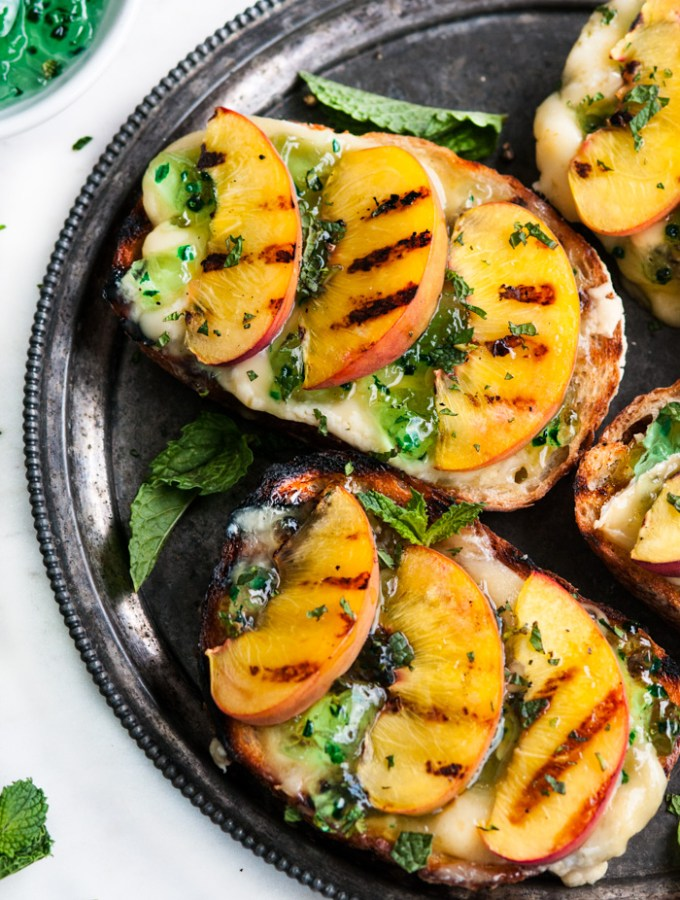 Grilled Peach and Brie Jalapeño Crostini
