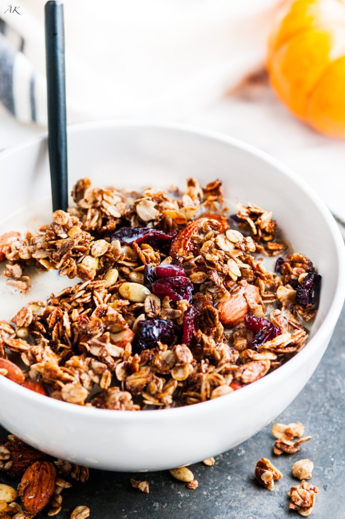 Pumpkin Spice Almond Granola – Easy, healthy sweet treat for autumn ...