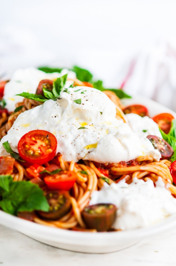 Tomato Basil Spaghetti with Burrata Close Up