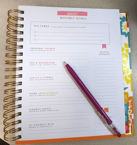 If tasks and commitments fill up your day so you never have time for what you want, you need a planner to organize your life. And I know the best one! https://www.abetterlifelived.com